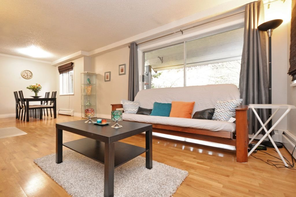"Photo 4: 202 809 W 16TH Street in North Vancouver: Hamilton Condo for sale in ""Panorama Court"" : MLS® # R2041398"