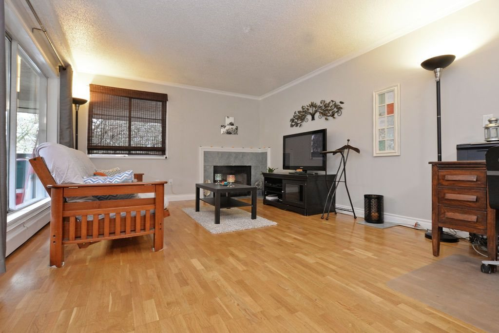 "Photo 8: 202 809 W 16TH Street in North Vancouver: Hamilton Condo for sale in ""Panorama Court"" : MLS® # R2041398"