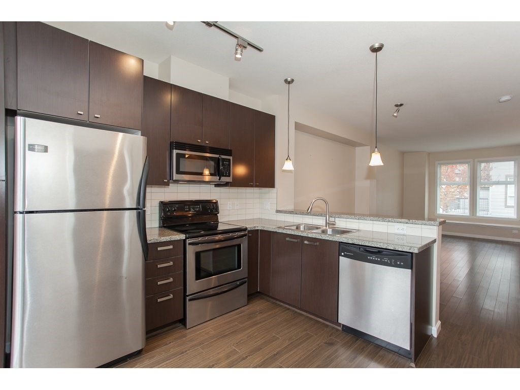 "Photo 6: 55 18777 68A Avenue in Surrey: Clayton Townhouse for sale in ""Compass"" (Cloverdale)  : MLS® # R2118322"