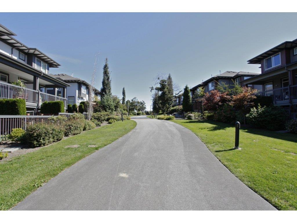 "Photo 15: 55 18777 68A Avenue in Surrey: Clayton Townhouse for sale in ""Compass"" (Cloverdale)  : MLS® # R2118322"