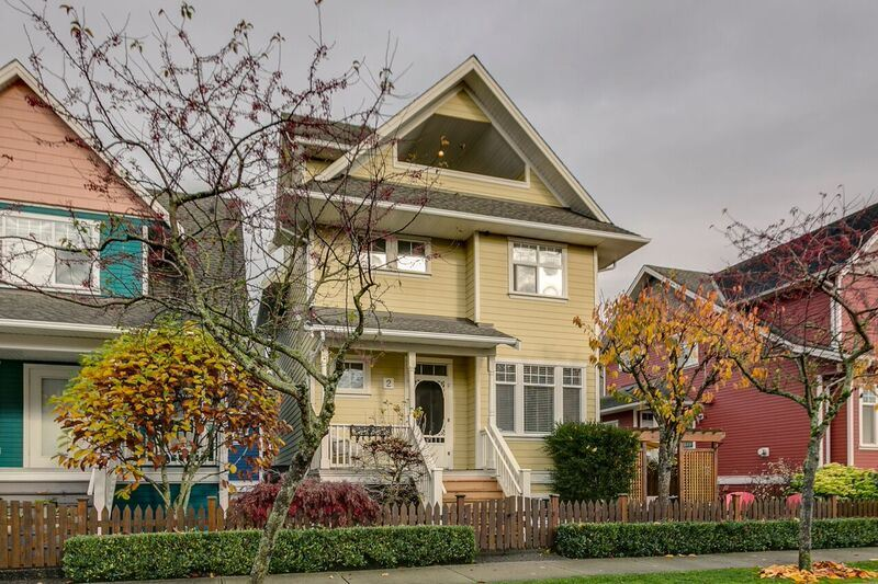 "Main Photo: 2 6333 PRINCESS Lane in Richmond: Steveston South Townhouse for sale in ""LONDON LANDING"" : MLS(r) # R2122942"