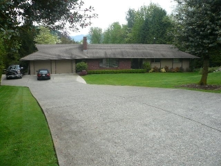 "Main Photo: 2222 ORCHARD Drive in Abbotsford: Abbotsford East House for sale in ""ORCHARD DRIVE"" : MLS(r) # R2135699"