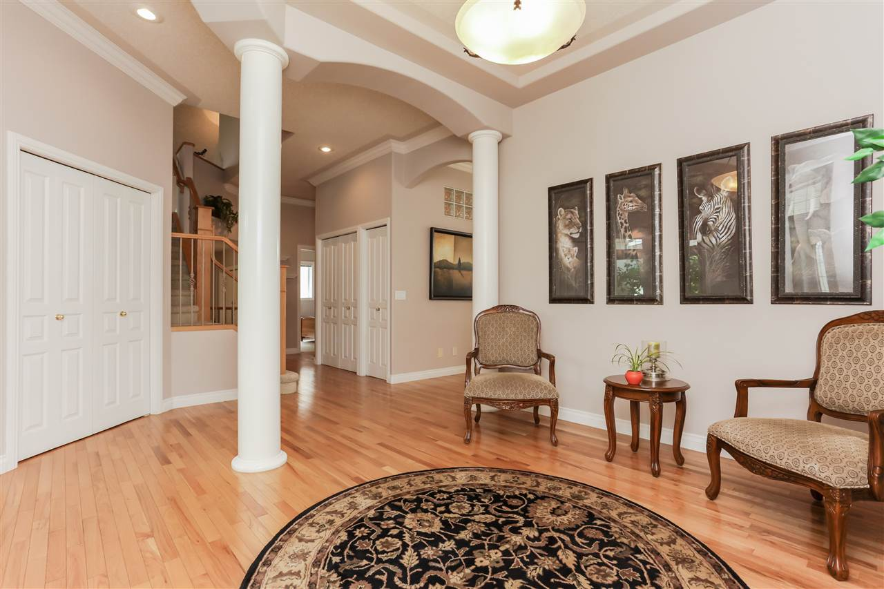 Photo 3: 351 HERITAGE Drive: Sherwood Park House for sale : MLS(r) # E4054311