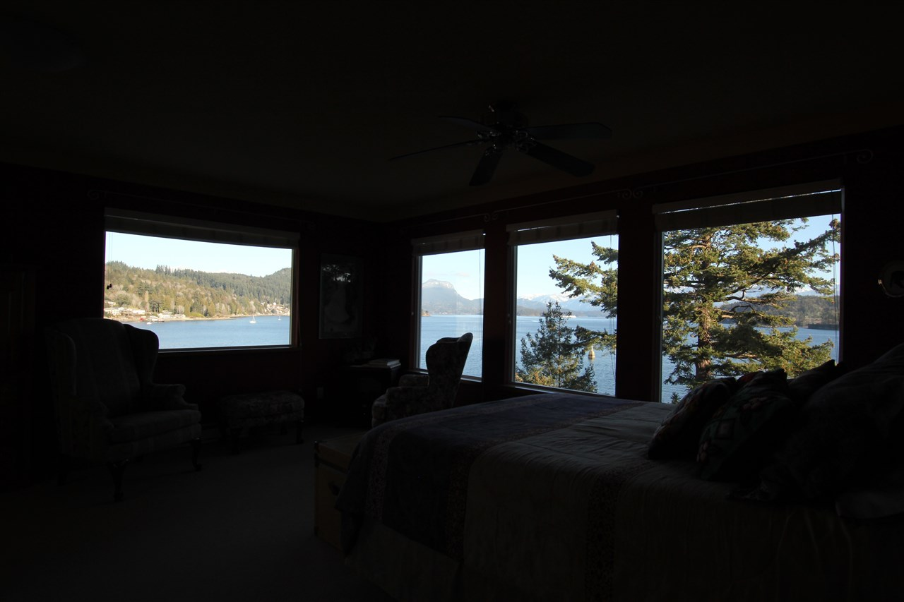 Photo 9: 384 SKYLINE Drive in Gibsons: Gibsons & Area House for sale (Sunshine Coast)  : MLS® # R2147908