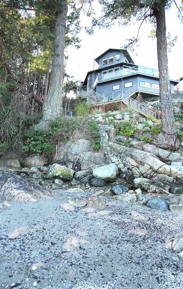 Photo 4: 384 SKYLINE Drive in Gibsons: Gibsons & Area House for sale (Sunshine Coast)  : MLS® # R2147908