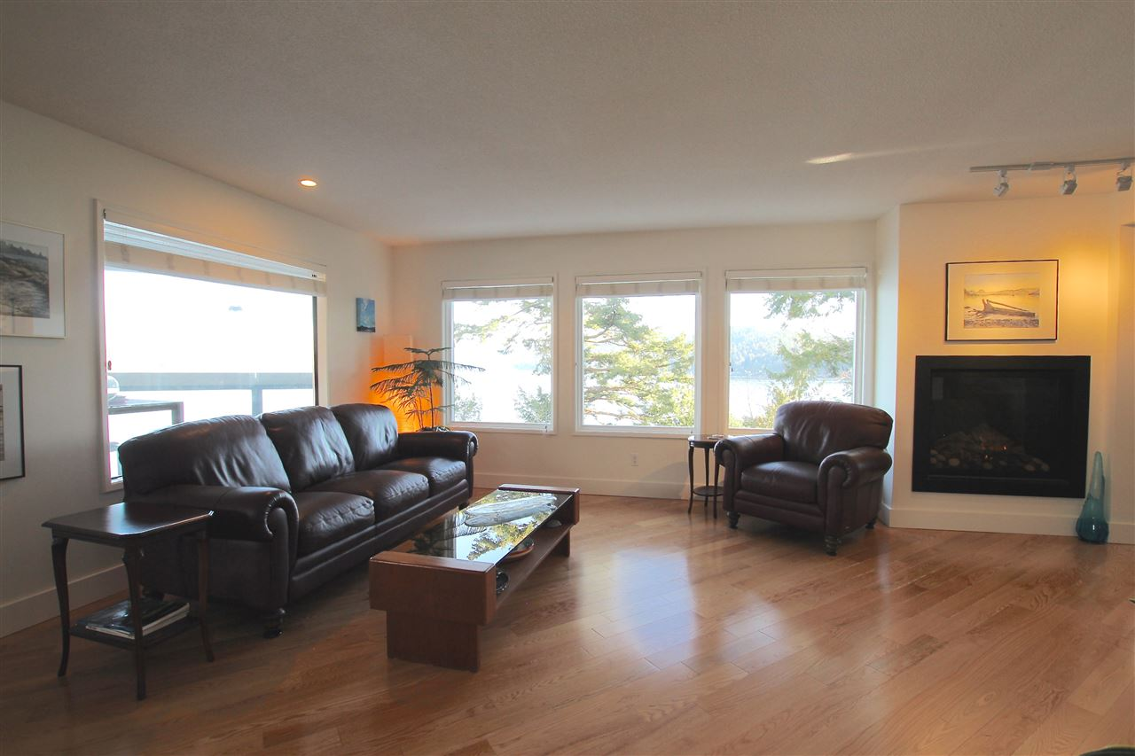 Photo 7: 384 SKYLINE Drive in Gibsons: Gibsons & Area House for sale (Sunshine Coast)  : MLS® # R2147908