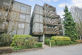 "Main Photo: 302 13507 96 Avenue in Surrey: Whalley Condo for sale in ""Parkwoods"" (North Surrey)  : MLS(r) # R2151595"