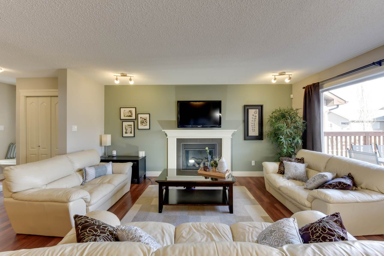 Main Photo: 403 BRINTNELL Boulevard in Edmonton: Zone 03 House for sale : MLS(r) # E4058150