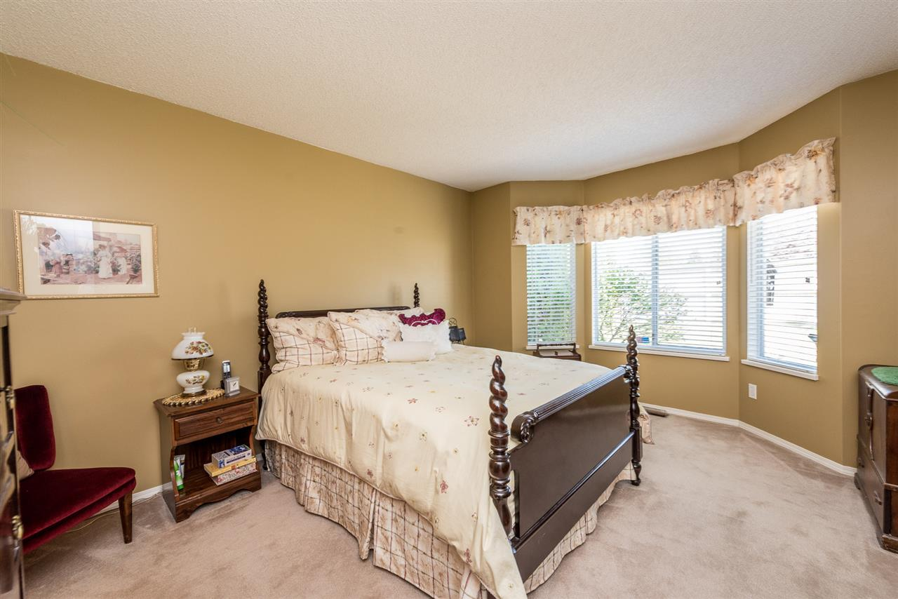 "Photo 11: 105 9045 WALNUT GROVE Drive in Langley: Walnut Grove Townhouse for sale in ""BRIDLEWOODS"" : MLS(r) # R2171812"