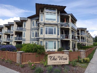 "Main Photo: 238 5160 DAVIS BAY Road in Sechelt: Sechelt District Condo for sale in ""THE WEST"" (Sunshine Coast)  : MLS(r) # R2177462"