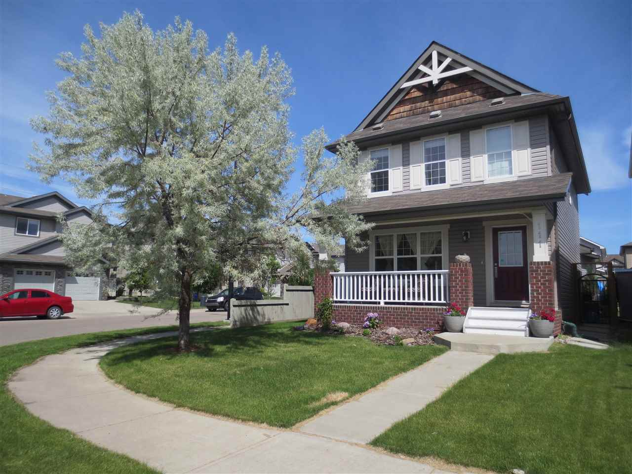 Main Photo: 111 61 Street in Edmonton: Zone 53 House for sale : MLS(r) # E4069902