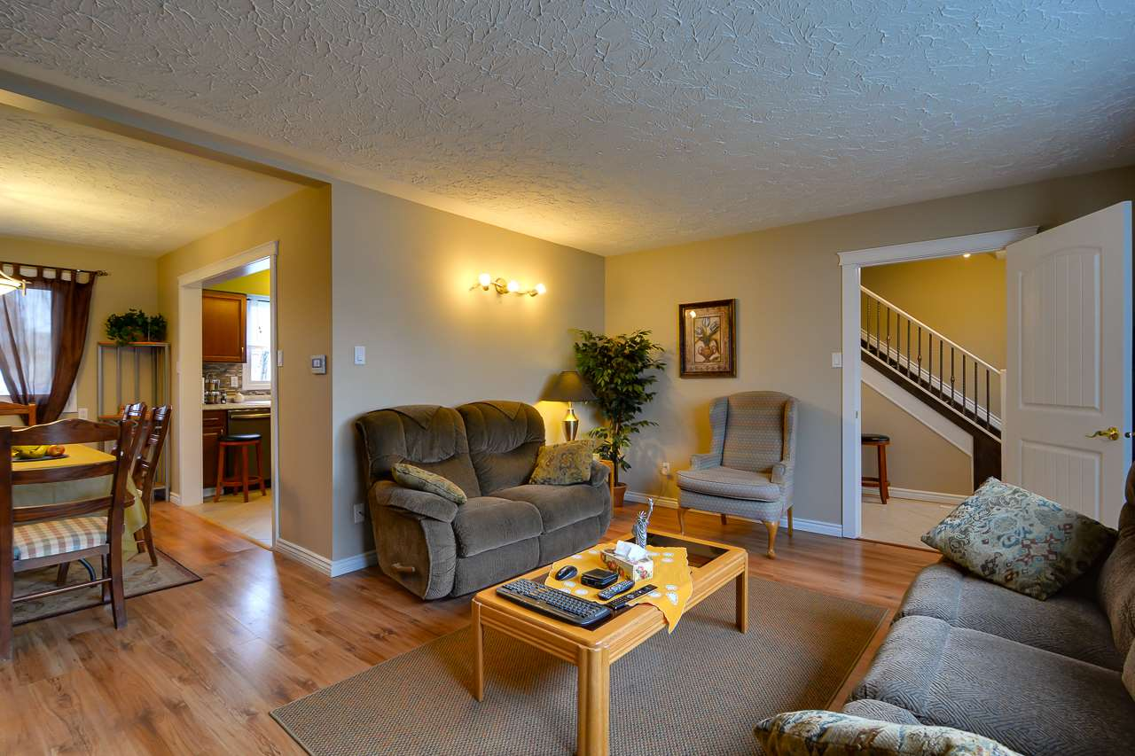 Main Photo: 9204 135 Avenue in Edmonton: Zone 02 House for sale : MLS® # E4072843