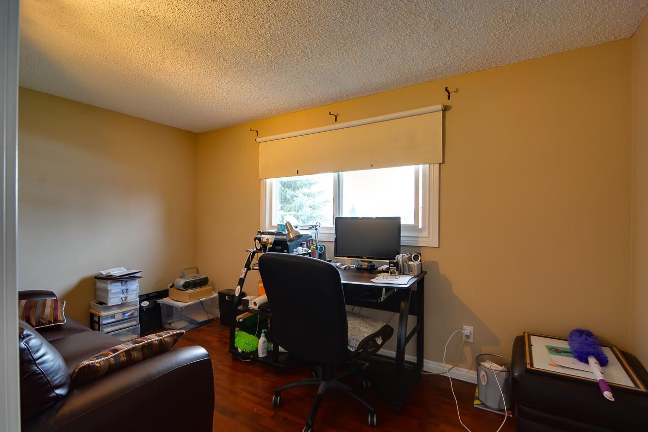 UPPER LEVEL OFFICE/DEN