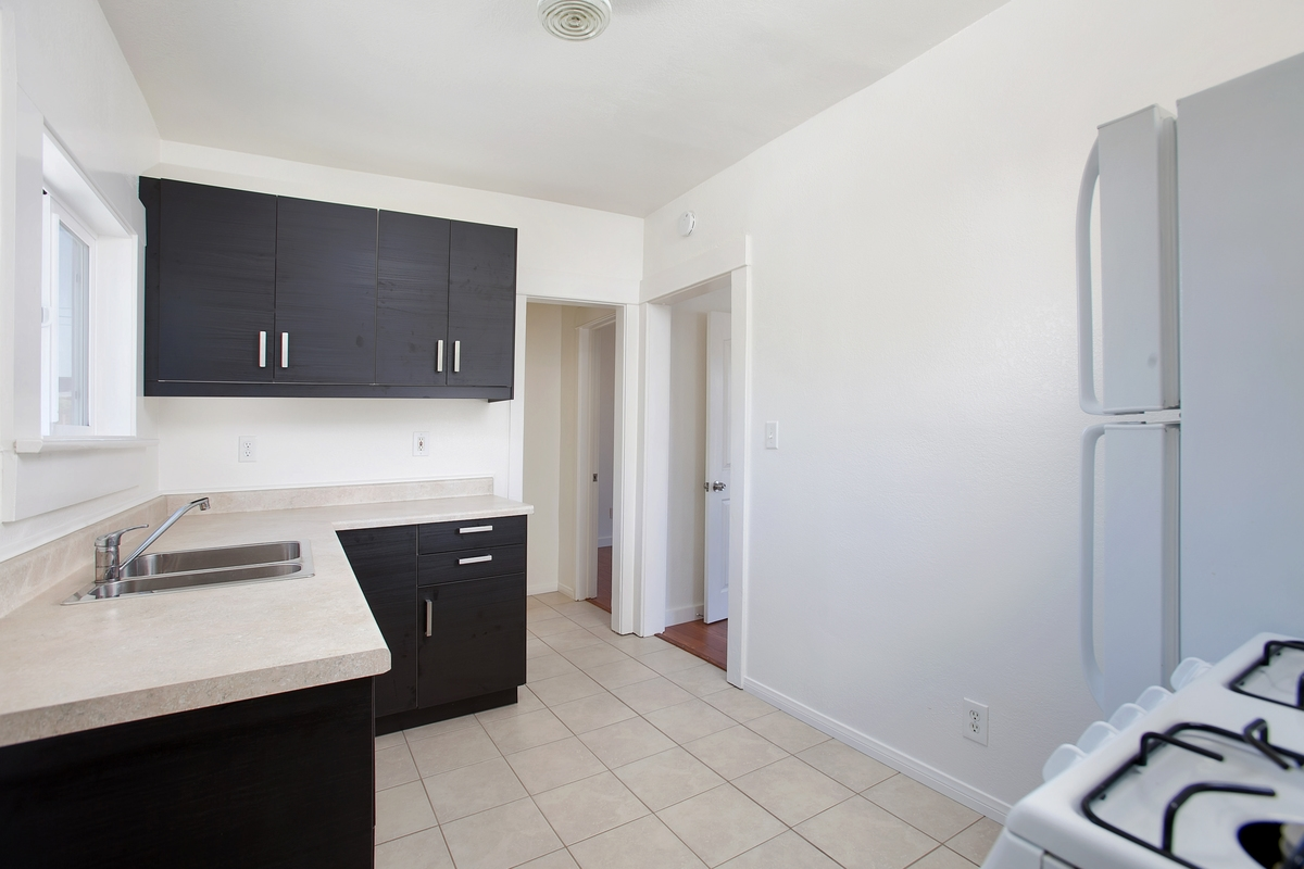 Photo 6: NORTH PARK Condo for rent : 1 bedrooms : 3852 Wilson in San Diego