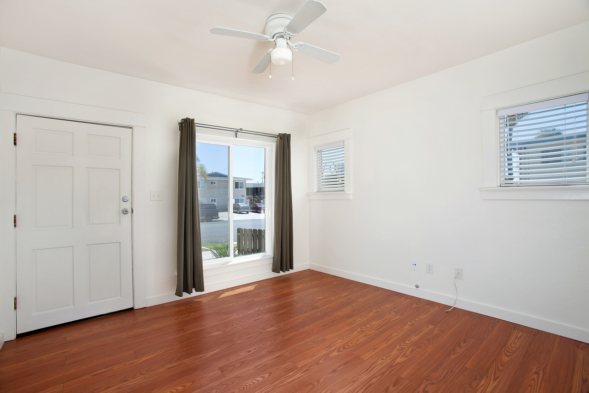 Photo 2: NORTH PARK Condo for rent : 1 bedrooms : 3852 Wilson in San Diego