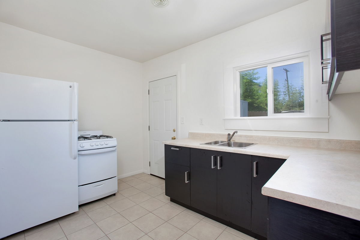 Photo 5: NORTH PARK Condo for rent : 1 bedrooms : 3852 Wilson in San Diego