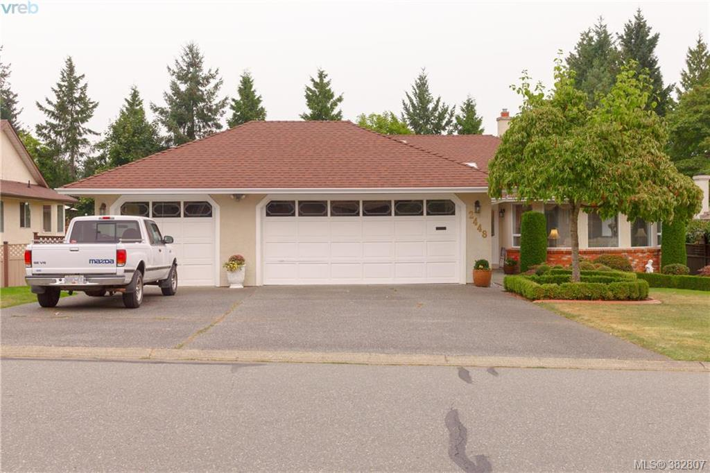 Main Photo: 2448 Wilcox Terrace in VICTORIA: CS Tanner Single Family Detached for sale (Central Saanich)  : MLS® # 382807