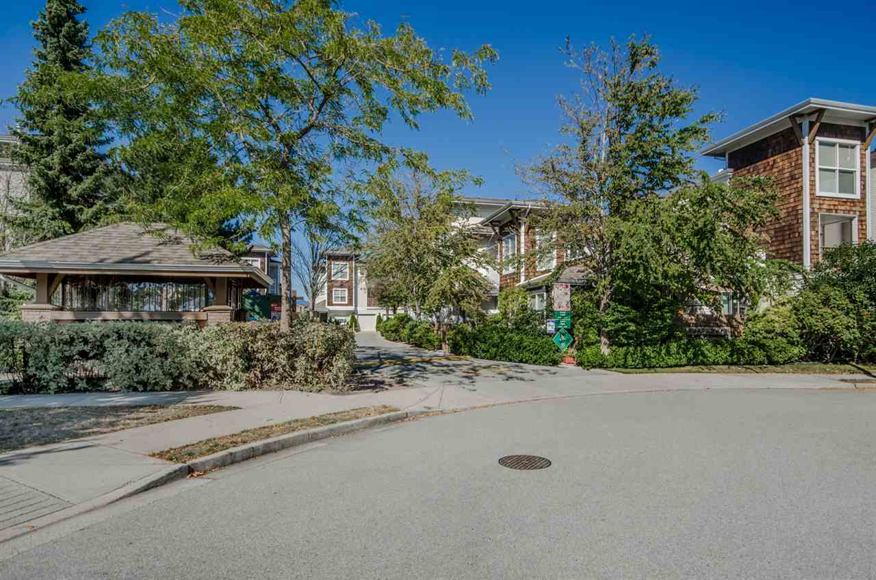 "Main Photo: 26 7100 LYNNWOOD Drive in Richmond: Granville Townhouse for sale in ""LAURELWOOD"" : MLS® # R2206640"