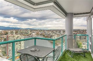 "Main Photo: 3902 1033 MARINASIDE Crescent in Vancouver: Yaletown Condo for sale in ""Quaywest 1"" (Vancouver West)  : MLS® # R2216521"