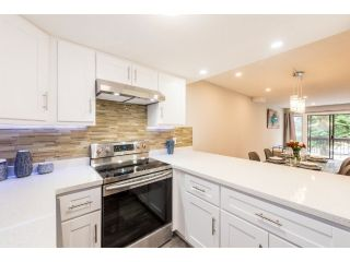 Main Photo: 6 7359 MONTECITO Drive in Burnaby: Montecito Townhouse for sale (Burnaby North)  : MLS®# R2253155