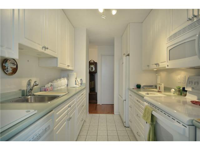 "Photo 4: 1110 4300 MAYBERRY Street in Burnaby: Metrotown Condo for sale in ""TIMES SQUARE"" (Burnaby South)  : MLS(r) # V921816"