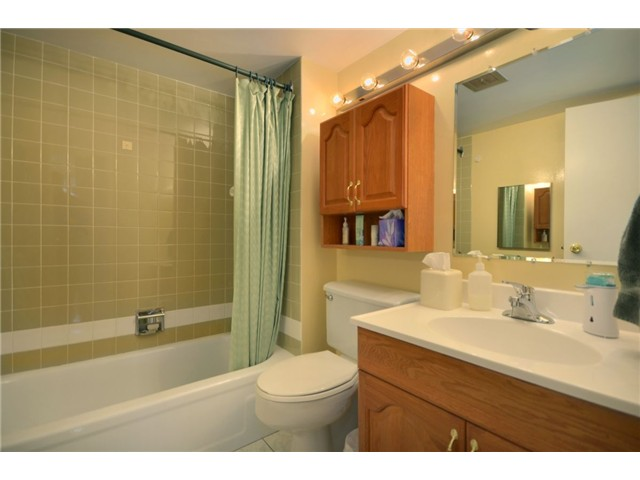 "Photo 8: 1110 4300 MAYBERRY Street in Burnaby: Metrotown Condo for sale in ""TIMES SQUARE"" (Burnaby South)  : MLS® # V921816"
