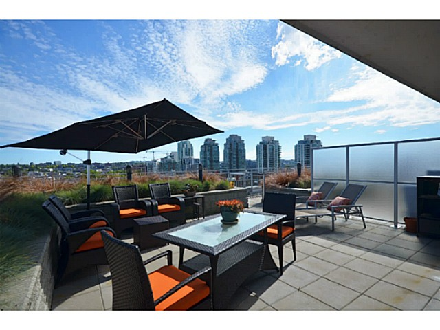 "Main Photo: 907 221 UNION Street in Vancouver: Mount Pleasant VE Condo for sale in ""V6A"" (Vancouver East)  : MLS® # V1040906"