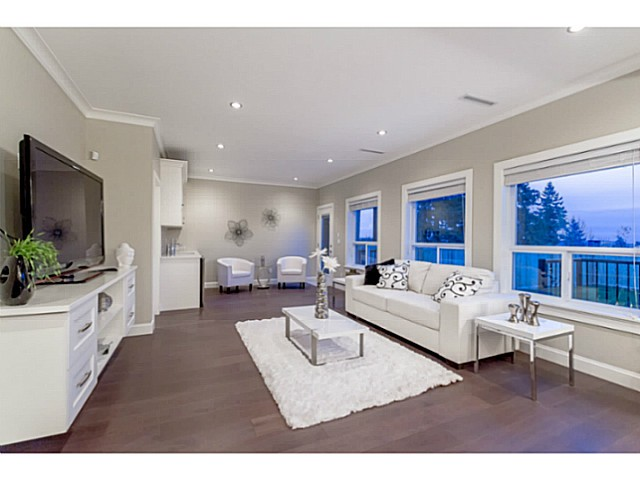 Photo 3: 6168 PORTLAND Street in Burnaby: South Slope House 1/2 Duplex for sale (Burnaby South)  : MLS® # V1063212