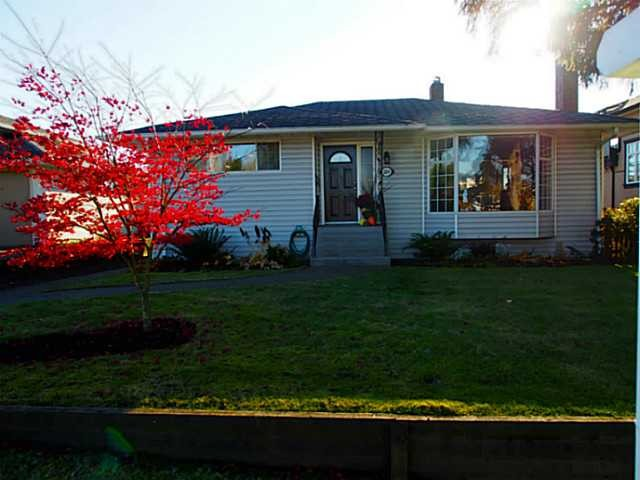 "Main Photo: 3894 KINCAID Street in Burnaby: Burnaby Hospital House for sale in ""BURNABY HOSPITAL"" (Burnaby South)  : MLS® # V1099812"