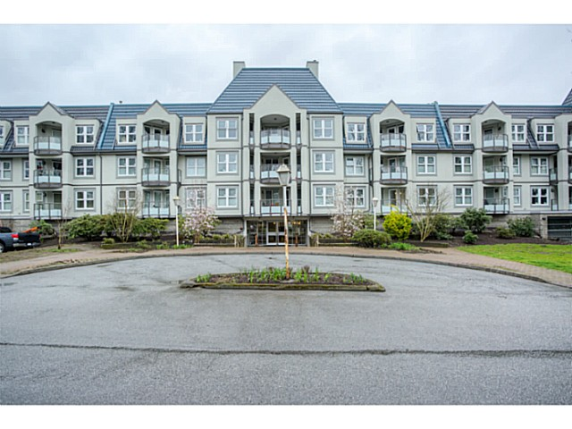 "Main Photo: 209 99 BEGIN Street in Coquitlam: Maillardville Condo for sale in ""LE CHATEAU"" : MLS® # V1111410"