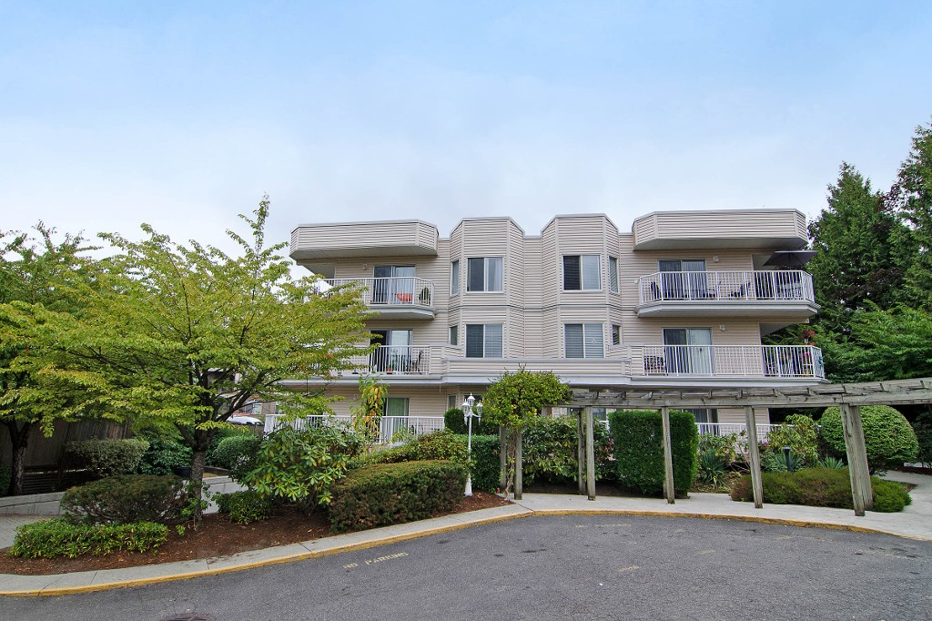 "Main Photo: 312 12206 224TH Street in Maple Ridge: East Central Condo for sale in ""COTTONWOOD PLACE"" : MLS®# V1137955"