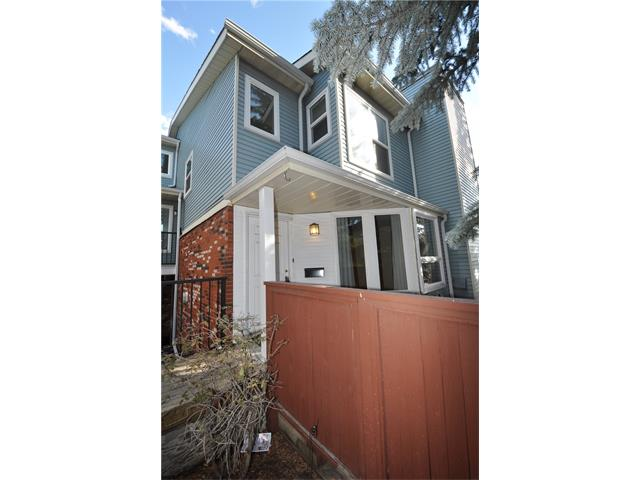 Main Photo: 2360 17A Street SW in Calgary: Bankview House for sale : MLS® # C4034275