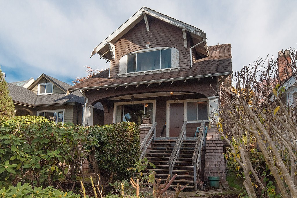 "Main Photo: 1322 MAPLE Street in Vancouver: Kitsilano House for sale in ""Kits Point"" (Vancouver West)  : MLS®# R2011995"