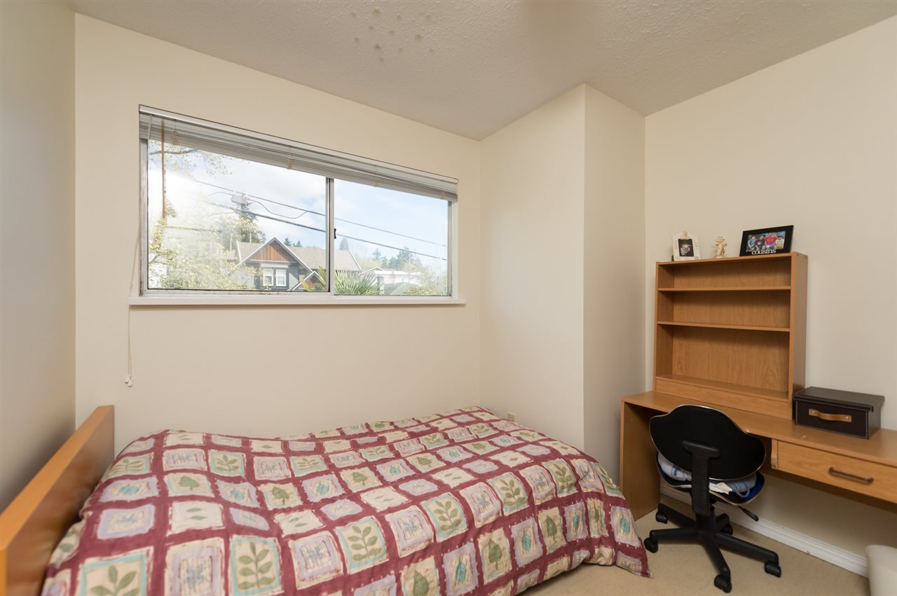Photo 16: 1535 BEWICKE Avenue in North Vancouver: Hamilton Townhouse for sale : MLS® # R2056313