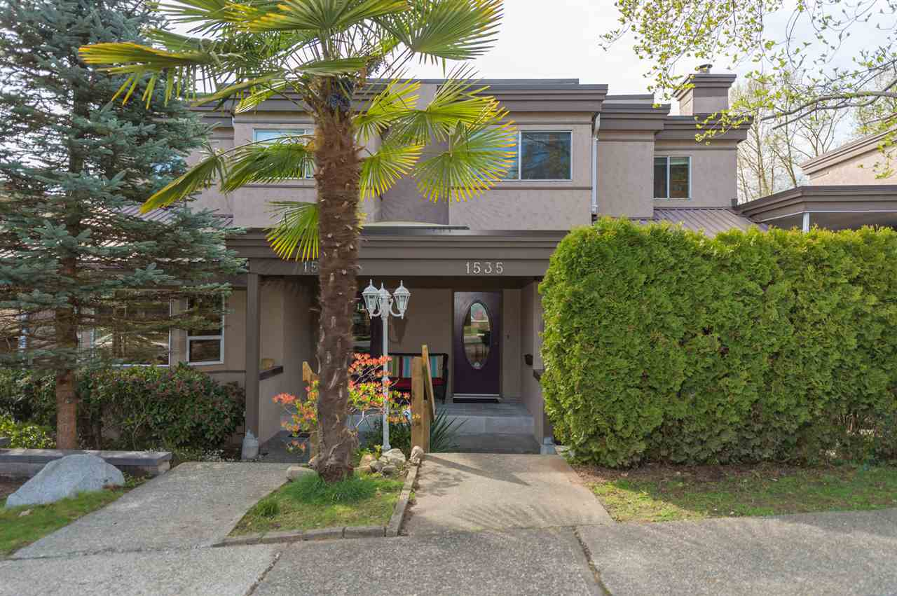 Main Photo: 1535 BEWICKE Avenue in North Vancouver: Hamilton Townhouse for sale : MLS® # R2056313