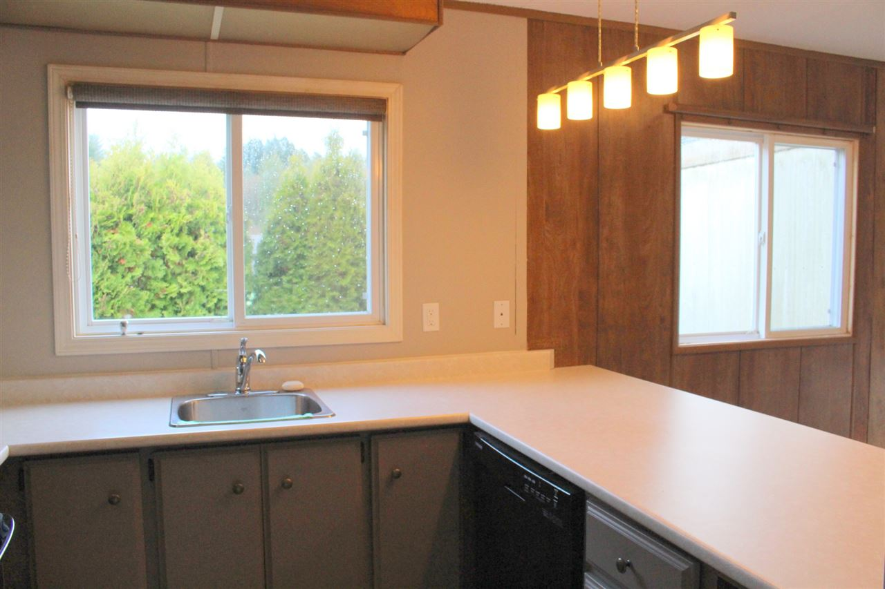 "Photo 8: Photos: 7 4116 BROWNING Road in Sechelt: Sechelt District Manufactured Home for sale in ""ROCKLAND WYND"" (Sunshine Coast)  : MLS®# R2069778"