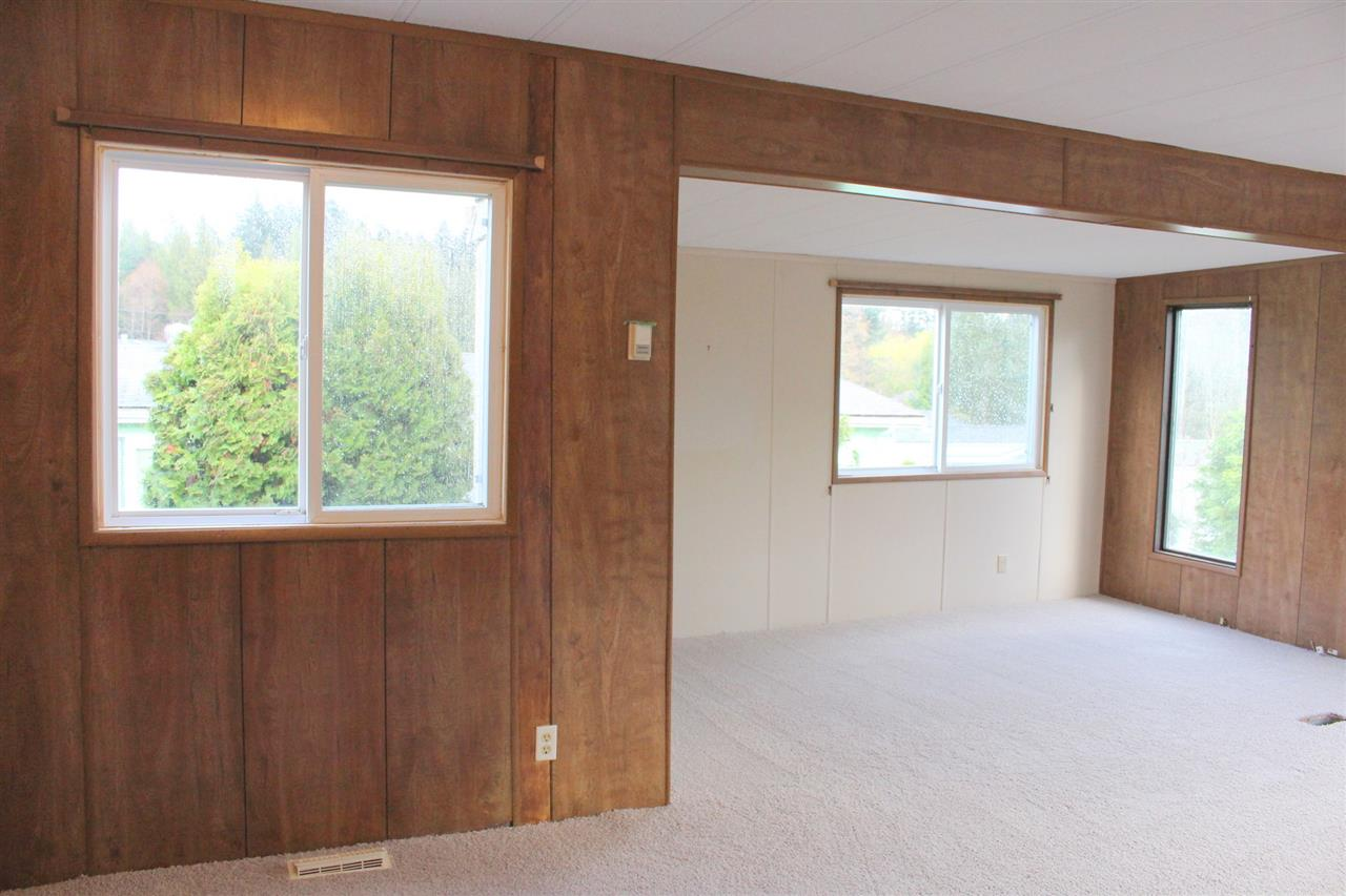 "Photo 5: Photos: 7 4116 BROWNING Road in Sechelt: Sechelt District Manufactured Home for sale in ""ROCKLAND WYND"" (Sunshine Coast)  : MLS® # R2069778"