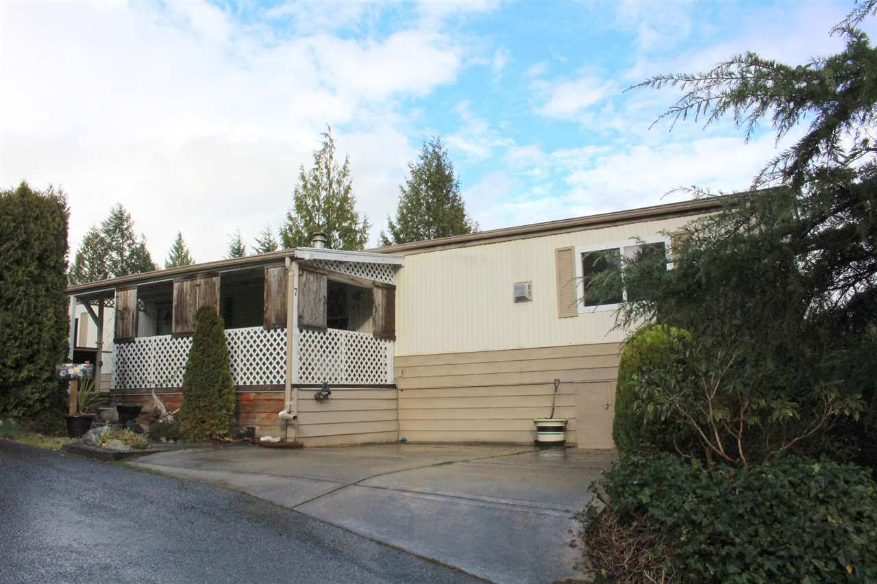 "Main Photo: 7 4116 BROWNING Road in Sechelt: Sechelt District Manufactured Home for sale in ""ROCKLAND WYND"" (Sunshine Coast)  : MLS® # R2069778"