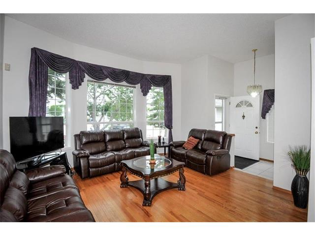 Photo 12: 78 ANAHEIM Green NE in Calgary: Monterey Park House for sale : MLS® # C4073255