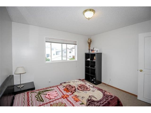 Photo 25: 78 ANAHEIM Green NE in Calgary: Monterey Park House for sale : MLS® # C4073255