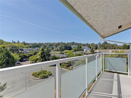 Main Photo: 415 1490 Garnet Road in VICTORIA: SE Cedar Hill Condo Apartment for sale (Saanich East)  : MLS® # 370629