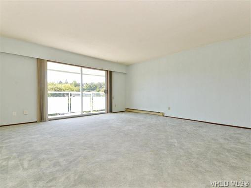 Photo 3: 415 1490 Garnet Road in VICTORIA: SE Cedar Hill Condo Apartment for sale (Saanich East)  : MLS(r) # 370629