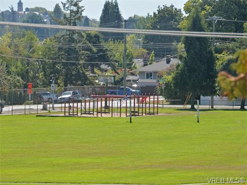 Photo 17: 415 1490 Garnet Road in VICTORIA: SE Cedar Hill Condo Apartment for sale (Saanich East)  : MLS(r) # 370629