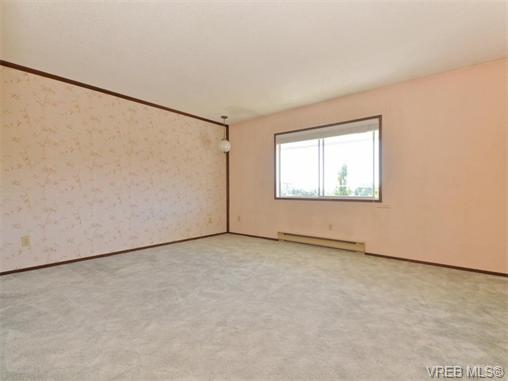 Photo 11: 415 1490 Garnet Road in VICTORIA: SE Cedar Hill Condo Apartment for sale (Saanich East)  : MLS(r) # 370629