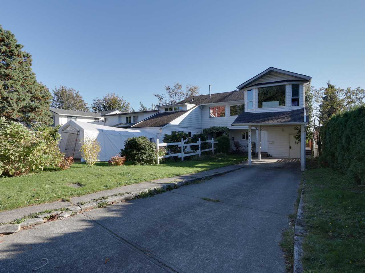 Main Photo: 32552 BOBCAT Drive in Mission: Mission BC House 1/2 Duplex for sale : MLS® # R2114812