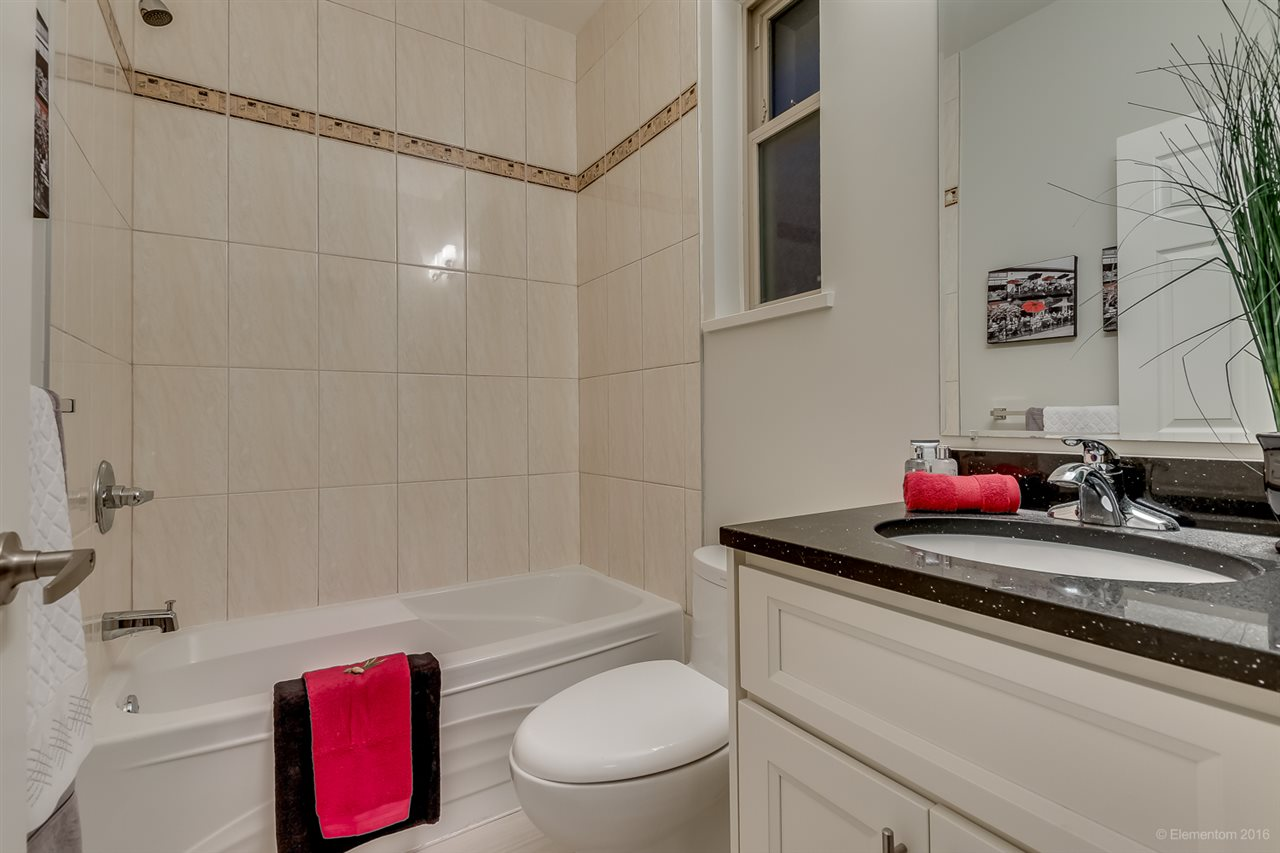 Photo 12: 1382 E 17TH Avenue in Vancouver: Knight House 1/2 Duplex for sale (Vancouver East)  : MLS® # R2115245