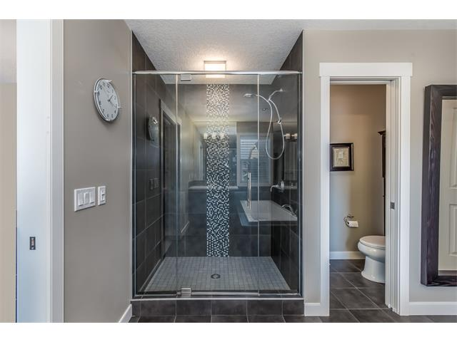 Photo 31: 22 ROCKFORD Road NW in Calgary: Rocky Ridge House for sale : MLS(r) # C4115282