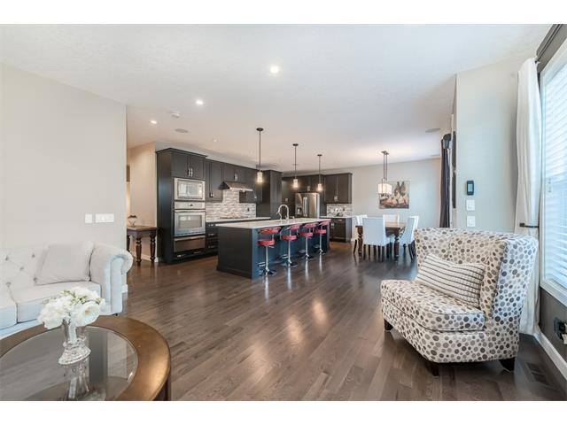 Photo 10: 22 ROCKFORD Road NW in Calgary: Rocky Ridge House for sale : MLS(r) # C4115282
