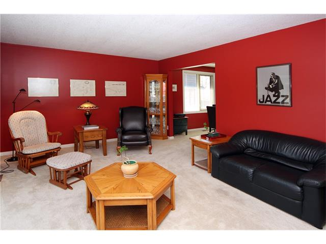 Photo 3: 51 RANCH ESTATES Road NW in Calgary: Ranchlands House for sale : MLS(r) # C4107485