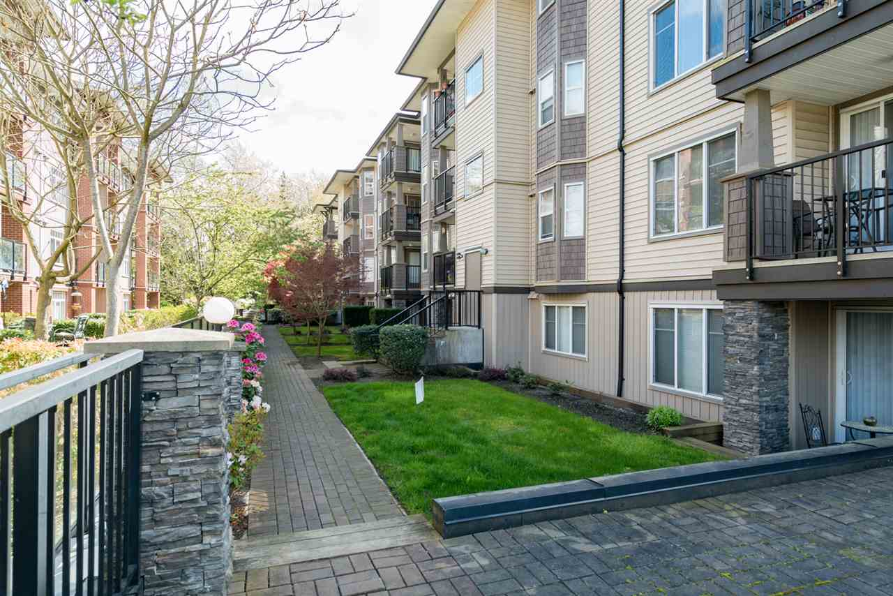 "Main Photo: 302 5488 198TH Street in Langley: Langley City Condo for sale in ""BROOKLYN WYND"" : MLS(r) # R2160083"